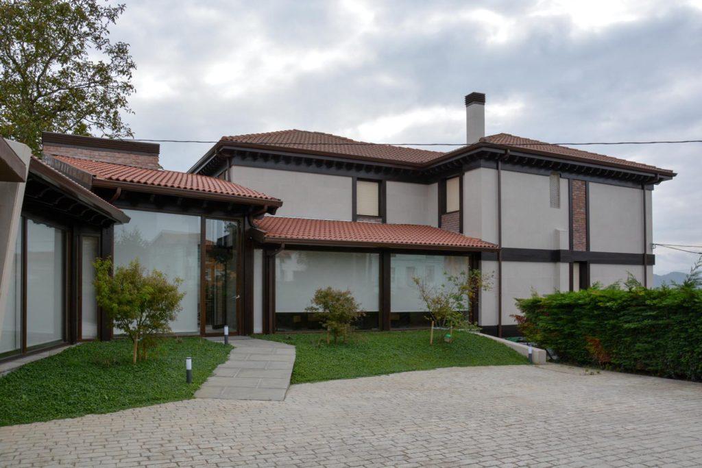 Construcción de choco en casona de piedra - Construcciones Montoya (Santander)